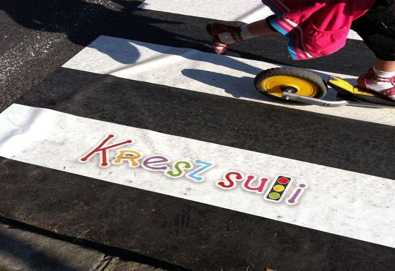 Kresz-suli gyalogátkelő hely